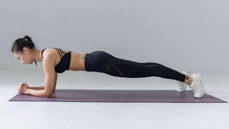 "Antrenamentul Plank (""plansa"" sau ""scandura"") – beneficii si recomandari"