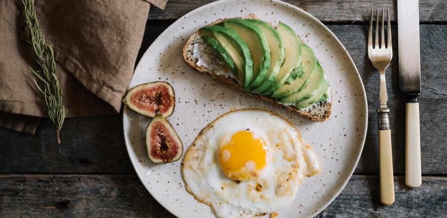 beneficiile unui mic dejun hranitor
